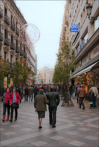 a walkable street in Madrid (by and courtesy of Steve Mouzon)