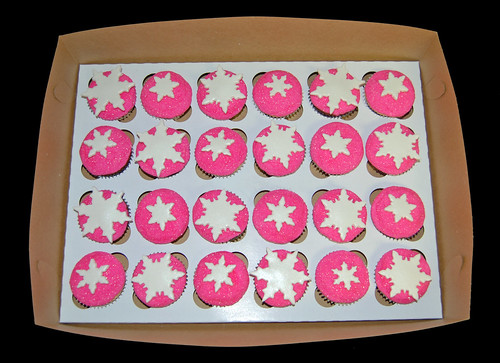 pink glittery snowflake cupcakes box