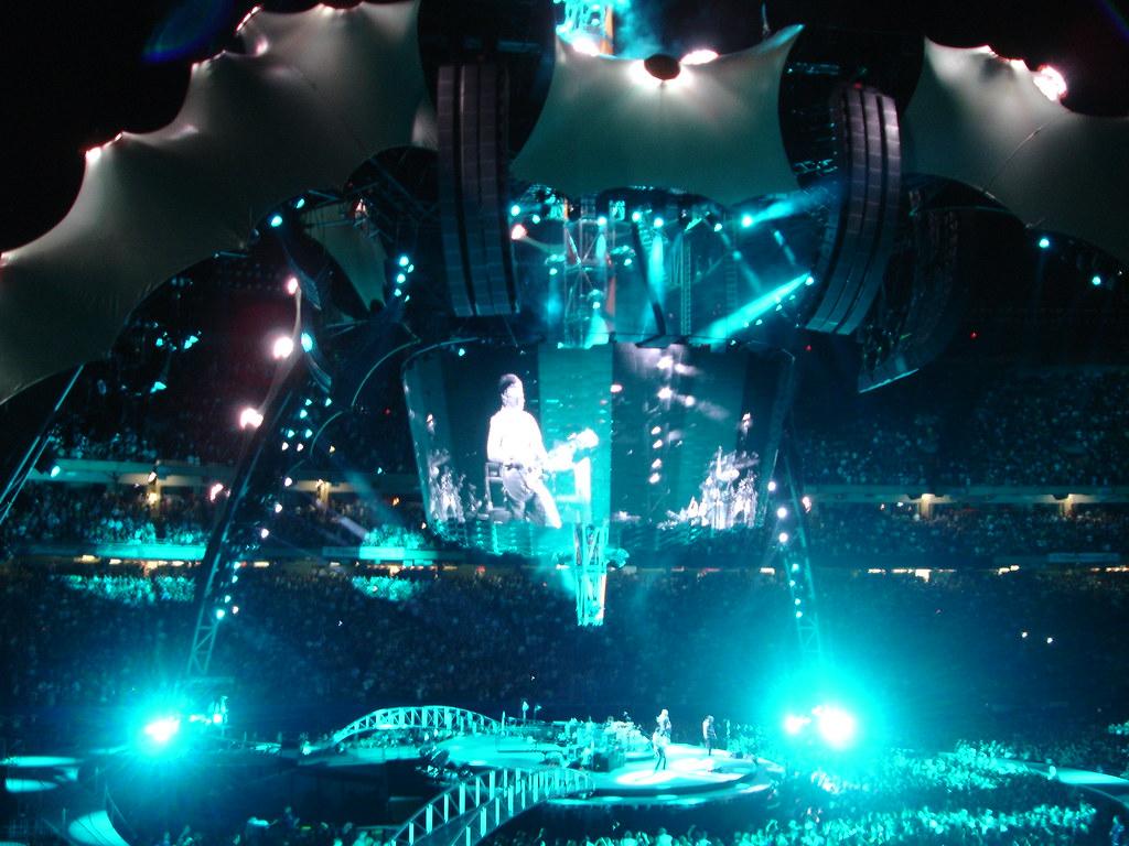 U2_blue