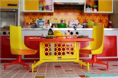 Table and Chairs. (Retro Mama69) Tags: retro blythe 1960 orangeandyellow retromama kitchentoy retrotoykitchen kitchendiorama vintagetintoykitchen kitchenroombox fuchstoykitchen vintagefuchstoy rementsminiature miniaturetoykitchen niccaskitchen grooviekitchen amscoapartmentfurniture amscodinnette