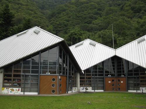 這樣的建築熱氣能夠散出雨水也能回收