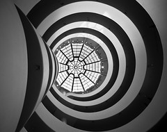 Round and Round (Philipp Klinger Photography) Tags: park new york city nyc newyorkcity trip travel light shadow vacation bw usa white ny newyork abstract black art museum architecture america circle frank geotagged us blackwhite nikon pattern graphic geometry united side unitedstatesofamerica central east franklloydwright upper lloyd architektur sw guggenheim states wright rotunda philipp w