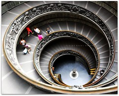 On the way down... (Violet Kashi) Tags: italy vatican rome roma scale nikon vaticano museums kashi d90 escaleradecaracol platinumheartaward
