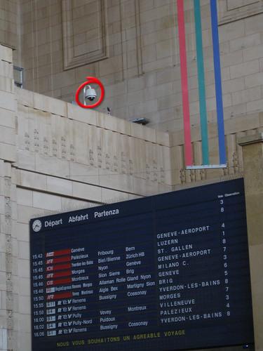 Videokamera Haupthalle Bahnhof Lausanne