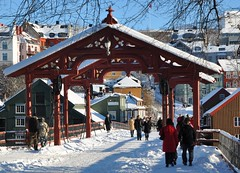 "Gamle bybro - ""Old town bridge"" (ystenes) Tags: winter norway photography norge photo vinter nikon foto norwegen 1001nights trondheim srtrndelag norvege bakklandet fotografi bilde magiccity trndelag d90 nidelven gamlebybro bybroen nikond90 flickrestrellas drontheim midtnorge tronhjem 1001nightsmagiccity mygearandme magiccty"