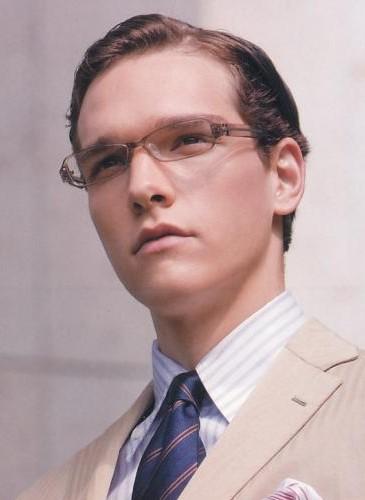 Glasses054_Alexandre Cunha_UOMO40_2008_07separate volume