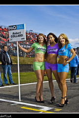 Robert Collard's Grid Girls (NWVT.co.uk) Tags: auto girls sun robert car grid three championship paint photographer close g si 4 grand s automotive racing professional prix final round bmw p british express hatch castrol circuit 2009 touring gp brands motorsport freelance leyland paints 320 btcc itv hiq rounds collards aiwaves i nwvtcouk nwvt