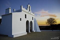 Ermita de Villablanca (Jesus Belzunce) Tags: sunset espaa atardecer spain pentax huelva andalucia blanca ermita villablanca k200d beturia