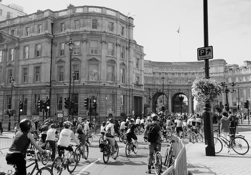 Trafalgar Square, with bikes