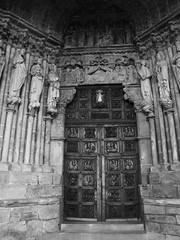 Singularity / Singularidad (SantiMB.Photos) Tags: door bw espaa spain puerta cathedral catedral bn galicia galiza pontevedra tui tuy vacaciones2006 kodaktmaxp3200