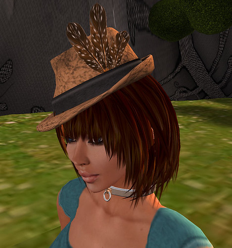 50L Friday Glow Studio lace hat