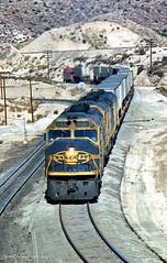 Cowls, Pigs and a Cab (GRNDMND) Tags: trains railroads santafe atsf locomotive emd f45 cajonpass summit california