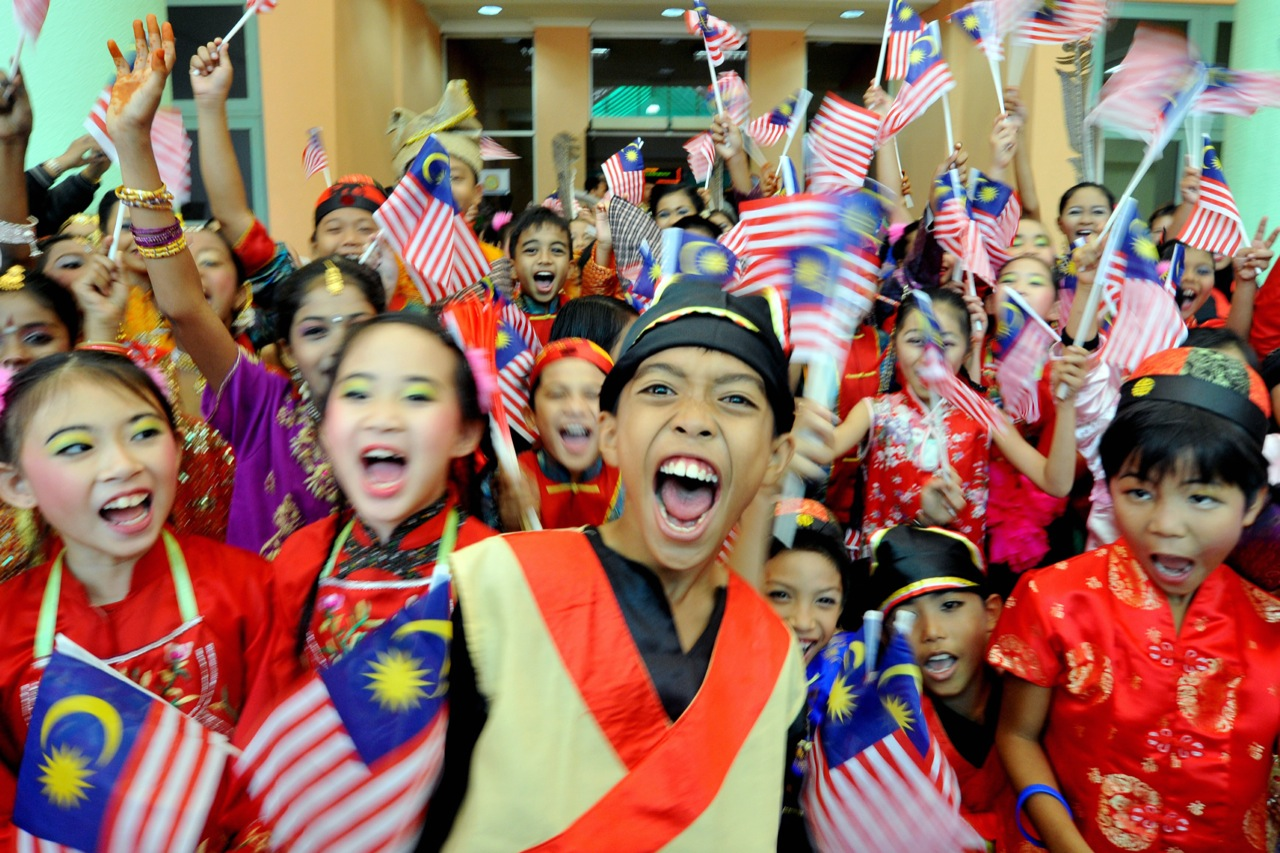 Positive and Negative Culture of Malaysian - DTYH