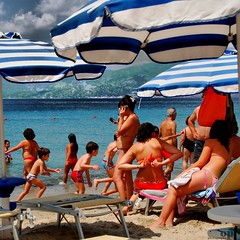 Beach People (Osvaldo_Zoom) Tags: sea summer people italy sun beach colors seaside bravo tan cellphone cellulare umbrellas calabria italians
