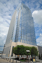 The Pinnacle at Symphony Place (Michael Davis Photography) Tags: tower nashville officebuilding highrise officetower nashvilletennessee downtownnashville nashvilleskyline pinnaclebank pinnacletower nashvilleskyscraper thepinnacleatsymphonyplace bassberrysims sobronashville