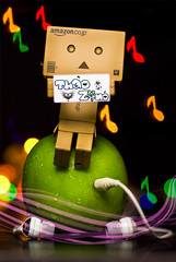 Music - Listen Fresh... (achew *Bokehmon*) Tags: music color green apple circle bokeh sony merge fansign earpiece danbo danboard  diybokehfilter andiamstilhavingfevertt danbowallpaper danboardwallpaper