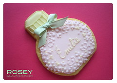 Perfume Bottle Cookie for milie (rosey sugar) Tags: wedding decoration royal sugar celebration icing piping marieantoinette sugarcraft decorativecookie perfumebottel