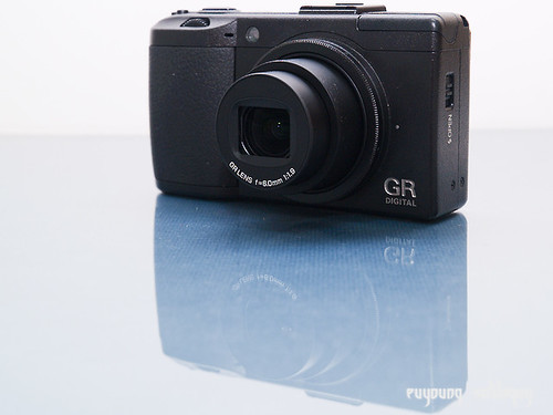 Ricoh_GRD3_exterior_04 (by euyoung)