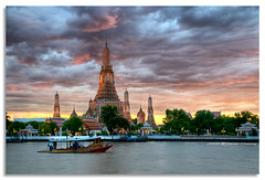 Dusk on Wat Arun (DanielKHC) Tags: sunset river thailand temple 1 interestingness nikon dusk bangkok explore wat fp frontpage hdr arun d300 photomatix tonemapped sigma18200mm danielcheong danielkhc