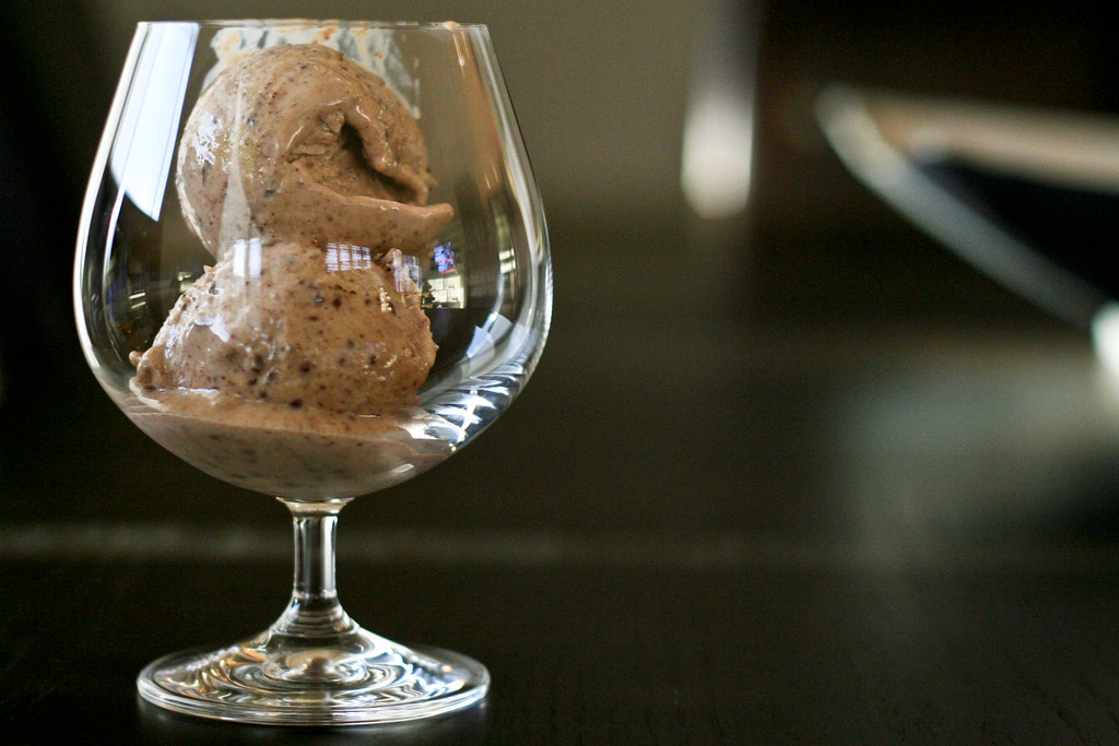 Baileys, Banana and Chocolate Frozen Yogurt