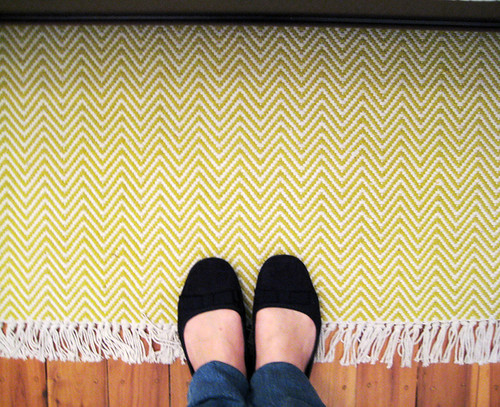 Zig zag rug for the bedroom