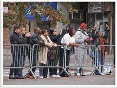 New York 2009 - New-York-City-Marathon (Jorbasa Mwa) Tags: city nyc urban usa newyork germany deutschland hessen harlem manhattan marathon 5thavenue visitors amerika geotag wetterau zuschauer nordamerika marathonlauf jorbasa neyyorkmarathon