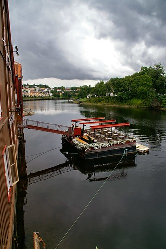 "Trondheim: Nidelva River view from the Gamle Bridge • <a style=""font-size:0.8em;"" href=""http://www.flickr.com/photos/26679841@N00/4106800094/"" target=""_blank"">View on Flickr</a>"