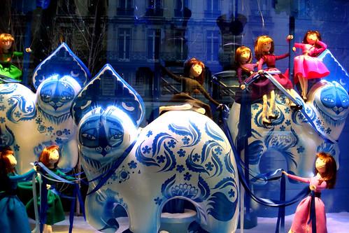 printemps christmas window display