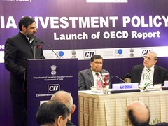 Anand Sharma, Minister of Commerce & Industry, Government of India; Ajay Shankar, Secretary, DIPP, Ministry of Commerce & Industry, Government of India; and Angel Gurría, OECD Secretary-General, 4 December 2009