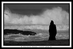 The Old man and the Sea - Le vieil homme et la mer (Rachid Naim) Tags: ocean africa old sea mer white man black art museum blackwhite sand waves artistic noiretblanc sable muse atlantic morocco cap arab maroc arabe surfers safi vagues homme rachid  artistique atlantique naim professeur  vieil  jellaba oualidia  abigfave anawesomeshot  artlegacy  bedouza