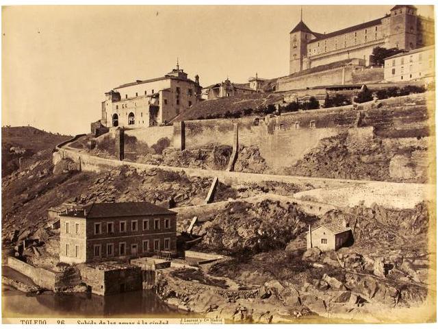Turbinas de Vargas, Hospital de Santiago y Alcázar de Toledo hacia 1884. Fotografía de Jean Laurent