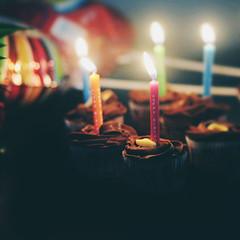 [フリー画像] イベント・行事・レジャー, 誕生日・パーティ, 食べ物・飲料, お菓子・スイーツ, ケーキ, ろうそく・キャンドル, 201106210700