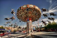 Revoluciones ('J') Tags: park argentina j buenosaires juegos games amusementpark tigre themepark jmp 146 parquedelacosta jmpznz safariportea fotorevista sillasvoladores fotojulio2009