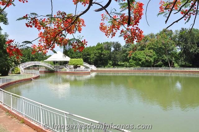 Lago del Parque Mirador Sur