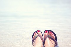 Flip flopin around on my perfect summer holidays~ (Tja'Sha) Tags: sunshine seaside havaianas simplicity flipflops 50mm18 bythesea happythursday hothotsummer nikond40 fiddywhores lightinmylife crazyheatwave enjyoingmyholidays