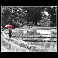 'RED UMBRELLA' (cisco ) Tags: rice cisco laos rosso riso ombrello donkhong siphandon photographia thesuperbmasterpiece artofimages photographia bestcapturesaoi