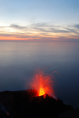 Stromboli, Isole Eolie, Sicilia - Sicily (Giuseppe Finocchiaro) Tags: sea fire volcano lava nikon mare sicily eruption sicilia fuoco vulcano stromboli eruzione golddragon mywinners abigfave platinumphoto