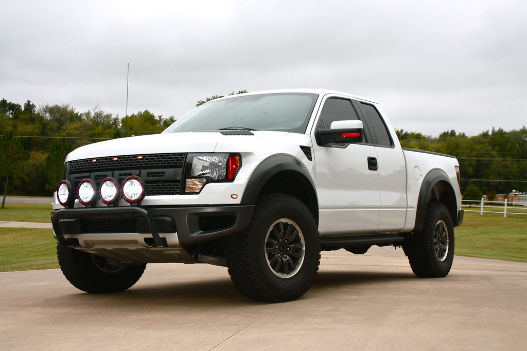 white raptor with light bar ford raptor forum forums. Black Bedroom Furniture Sets. Home Design Ideas