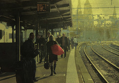 Le Passager du Soleil (itala2007) Tags: travel france train gare udo passageiro passageira theunforgettablepictures itala2007 mastersgallery worldsartgallery passageur