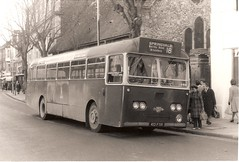 King Alfred bus, 412 FOR, 1962 Leyland PSU3/2R, Winchester November 1972 (mikeyashworth) Tags: hampshire winchester 1972 1962 willowbrook leyland leylandtigercub leylandbus kingalfredmotorservices kingalfredbus 11november1972 leylandpsu32r 412for mikeashworthcollection