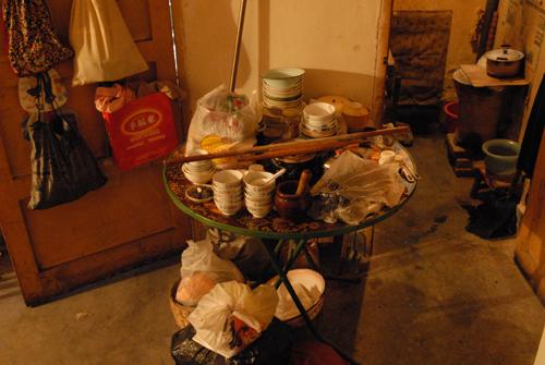 拆迁之际的游艺市场居民家中景象