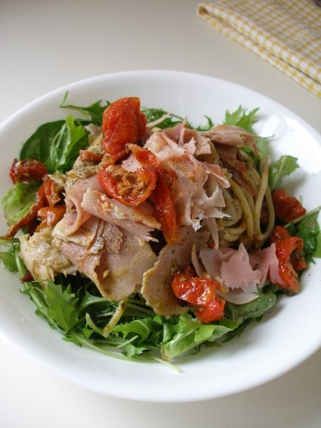 Ham and sundried tomatoes with herb and olive oil tossed spaghetti