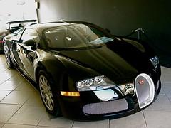 Bugatti Veyron (KCS Photography) Tags: blue red white verde yellow dubai cannes ferrari monaco hills rodeo beverly rolls carlo monte ithaca bugatti supercar fastest royce bentley veyron f40 f50 f60 numerous ccx reventon lp640 ogara 200mph 1001hp veyrons lp560 lp650 lp670 buggatis