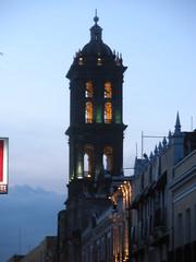 Puebla cathedral (sftrajan) Tags: tower mxico torre cathedral kathedrale catedral belltower unescoworldheritagesite cathdrale unescoworldheritage cattedrale centrohistrico unescowelterbe patrimoniodelahumanidad angelopolis puebladelosangeles patrimoinemondial pueblacathedral puebladezaragoza ciudadcentral centrohistricoiberoamericano  puebladelosngeles cuetlaxcpan cathedralofpuebla catedralmetropolitanadenuestraseoradelapursimaconcepcin  hericapuebladezaragoza   dnyamiraslar