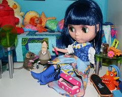 Koneko and her little helper fix mr. roboto