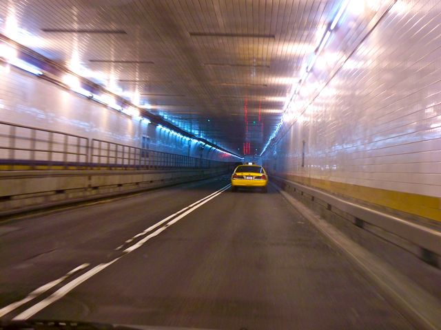4120763897 9ccff25166 o Tunnel Commute
