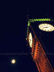 (Maha Alola) Tags: nov winter moon 3 london its night big ben 2009
