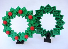 LEGO Store MMMB - December 2009 (Wreath) (TooMuchDew) Tags: christmas holiday december lego wreath legostore legoimaginationcenter legoinstructions mmmb toomuchdew monthlyminimodelbuild licmoa minimodellbauevent