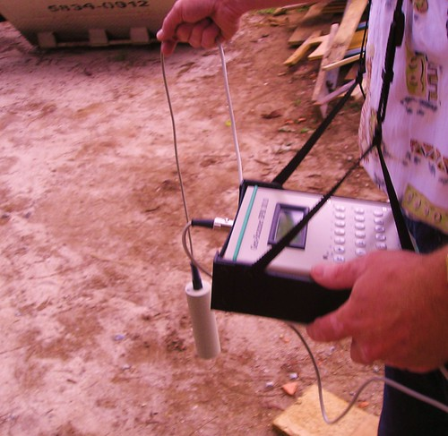 GEOMAGNETOMETRO - Medidor de alteração do campo magnético terrestre