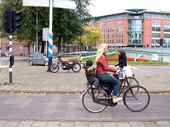 Amsterdam70 (Miguel Tavares Cardoso) Tags: holland amsterdam bike bikes holanda bicicletas bycicles amsterdão miguelcardoso miguelcardoso2008 migueltavarescardoso